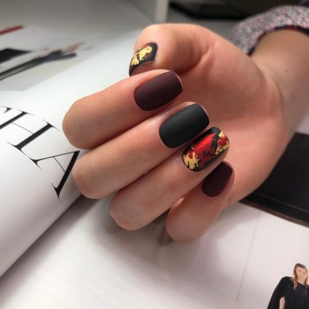 черни дизайни на ноктите 2020