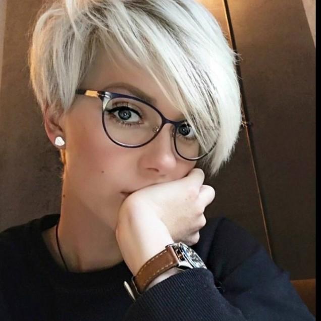 Прически с бретон за КЪСА коса