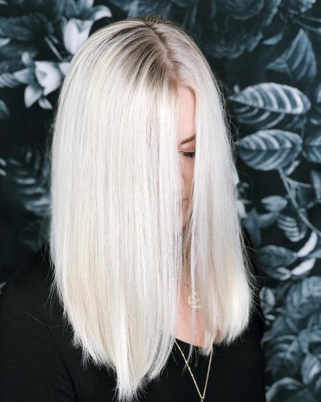 удължено каре руса коса