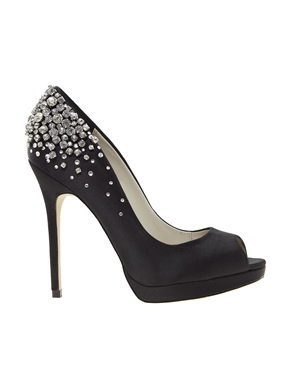 Обувки с камъни 2013