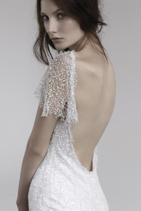 Нежна сватбена рокля