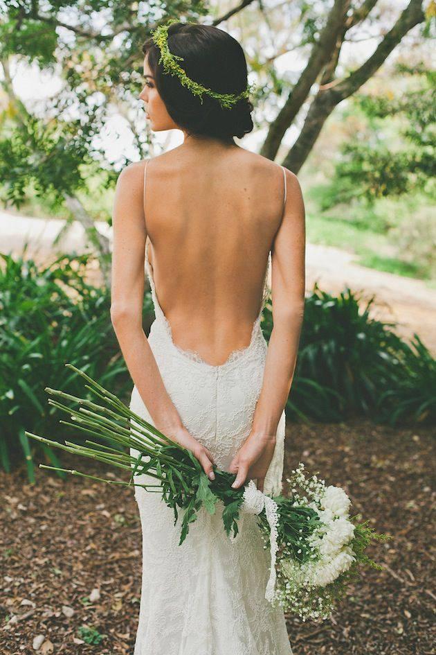 Красива сватбена рокля