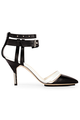 Обувки с нисък ток