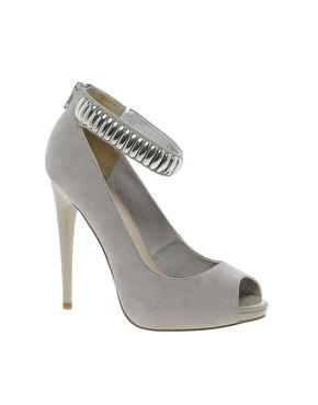 Обувки с гривна 2013