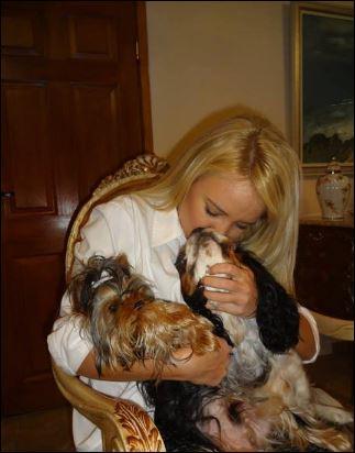 Мария с кучетата