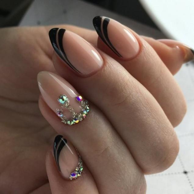 черен френч с кристали