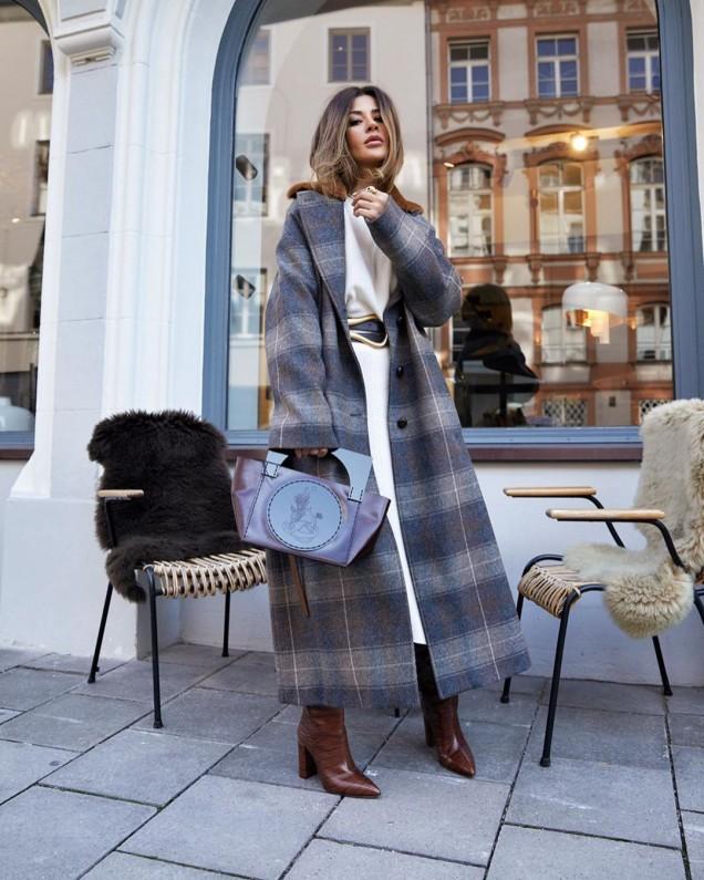 карирано дълго палто
