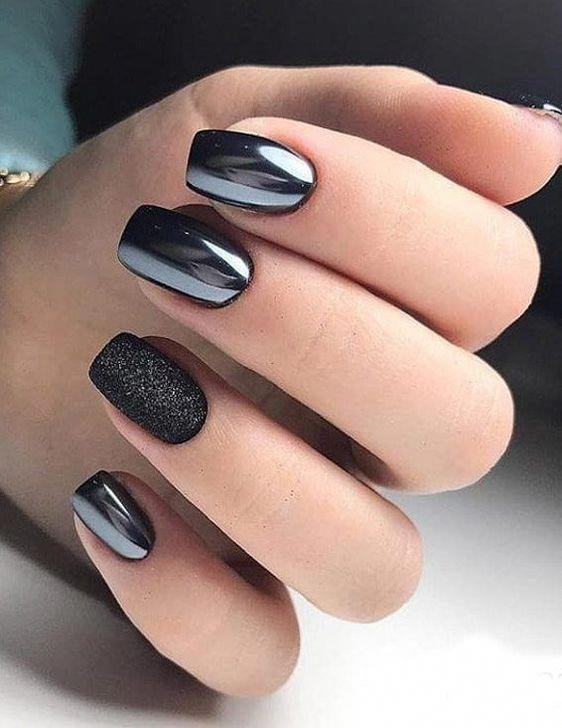 Елегатнтно черен дизайн за нокти 2020.jpg