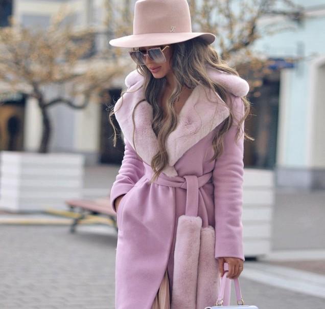 розово палто с колан