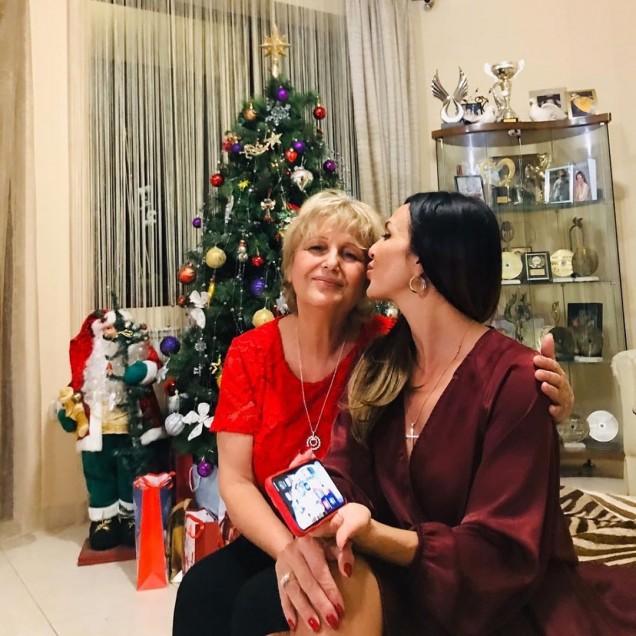 Глория с майка си Стефка