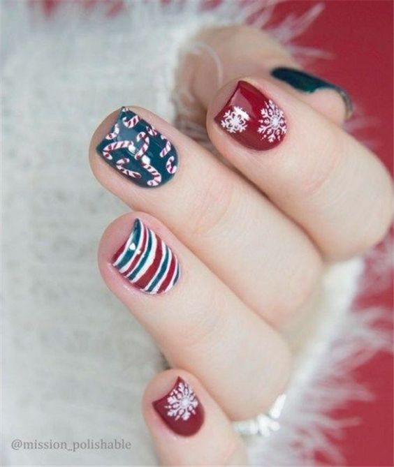новогодишен дизайн за ноктите 2020