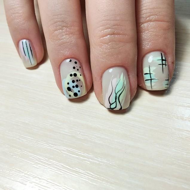 нежен маникюр за дълги нокти