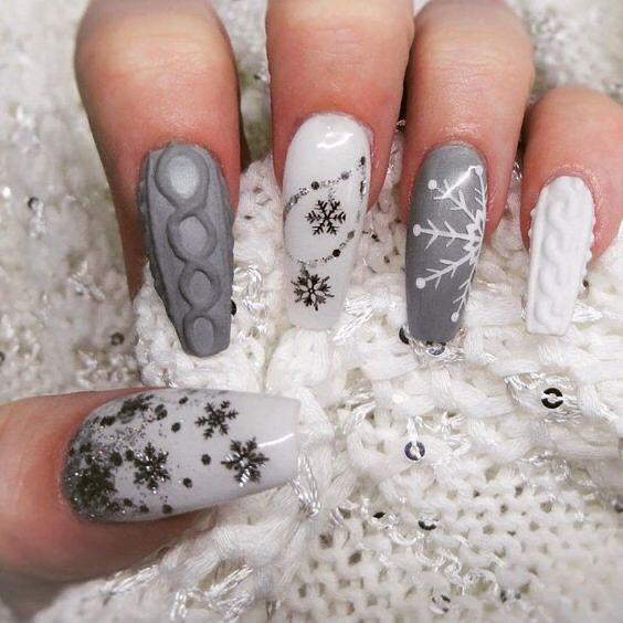 зимен маникюр бяло и сиво