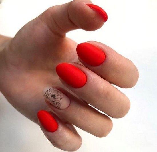 стилен маникюр в червено