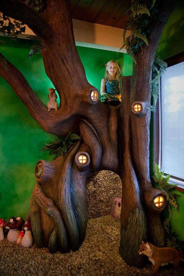 детска стая с дърво