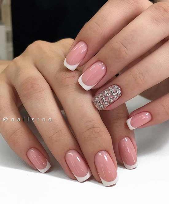 френски къси нокти