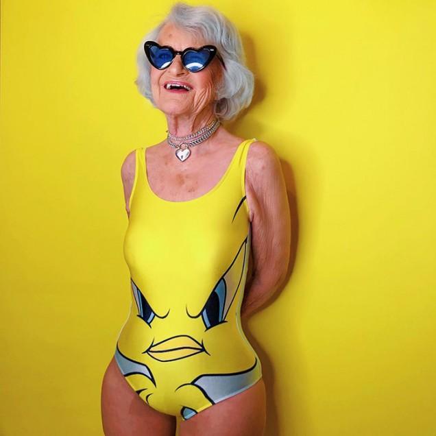 възрастна жена на 90 години