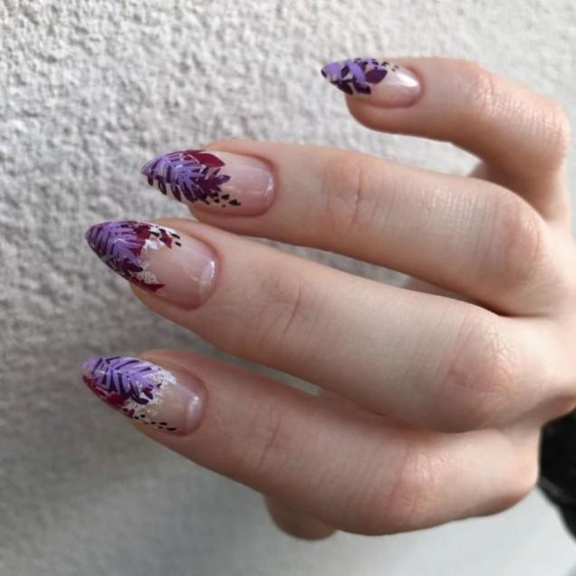 Цветен дизайн за дълги нокти.jpg