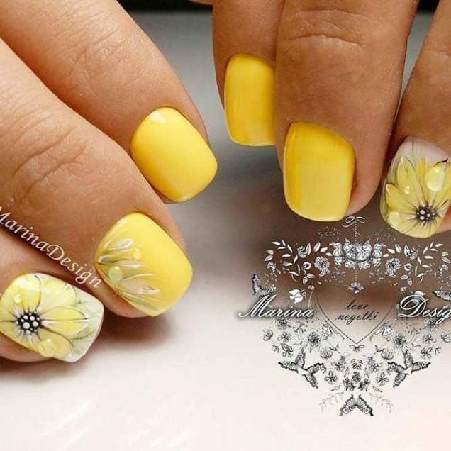 жълти къси нокти.jpg