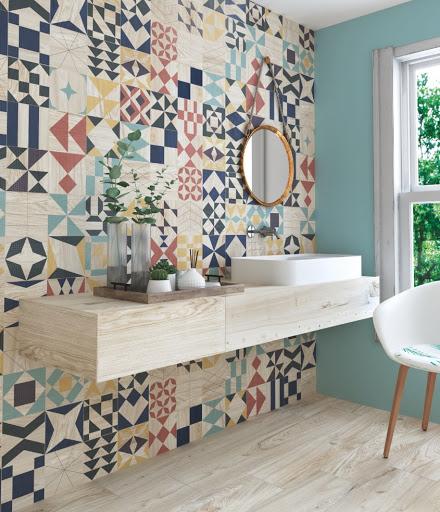 геометрични плочки в банята