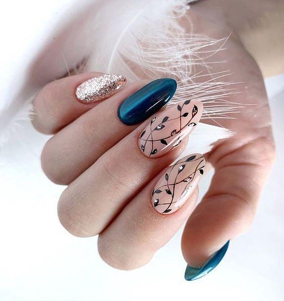 Стил и красота в дизайна на ноктите.jpg