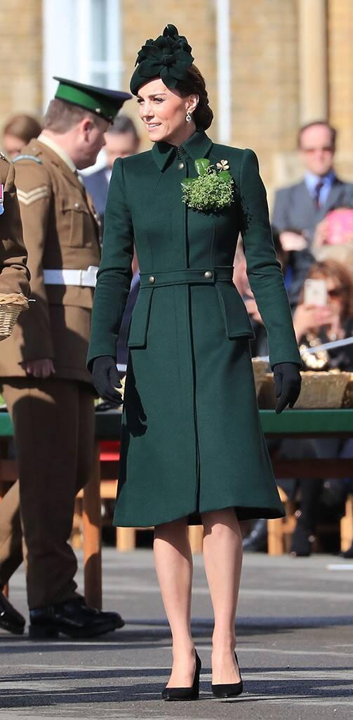Кейт Мидълтън елегантно палто