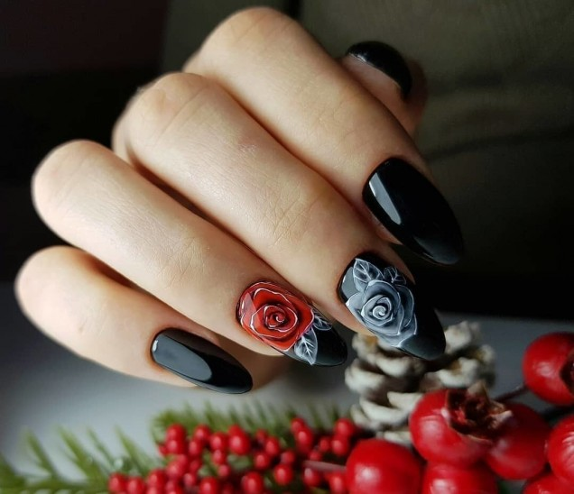 черен маникюр на рози
