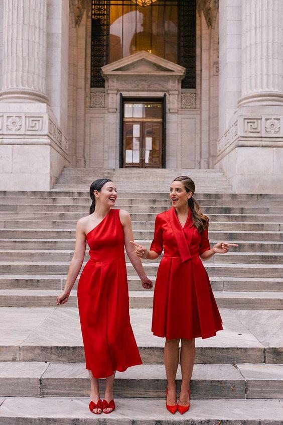 модерни червени рокли