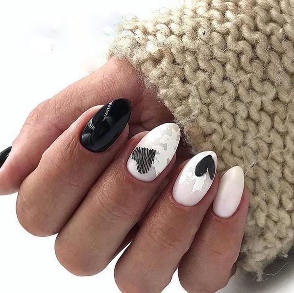 маникюр сърца черно и бяло