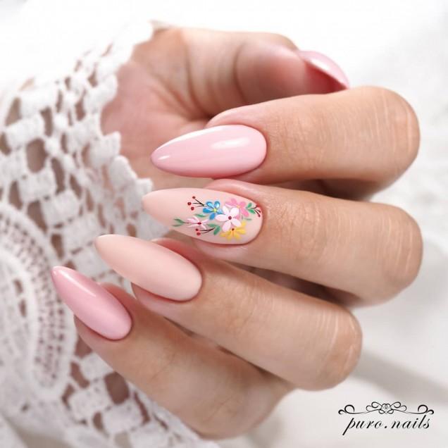 розов пролетен маникюр
