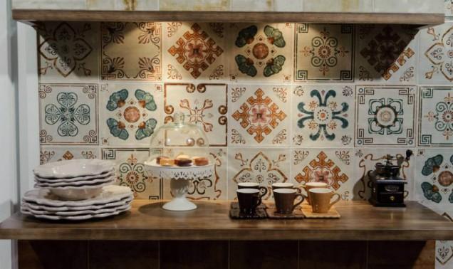 мозайка в кухнята