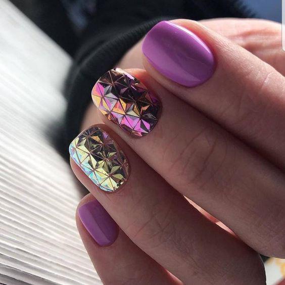 Маникюр в лилаво и розово