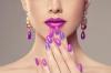 Феерични пролетни цветове в преобладават в ноктите.jpg