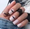 средно къси нокти лилав маникюр