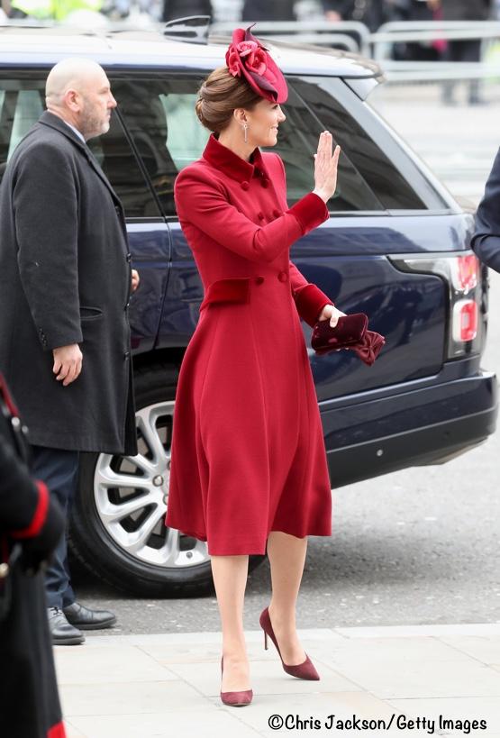 херцогинята на Кеймбридж в червено