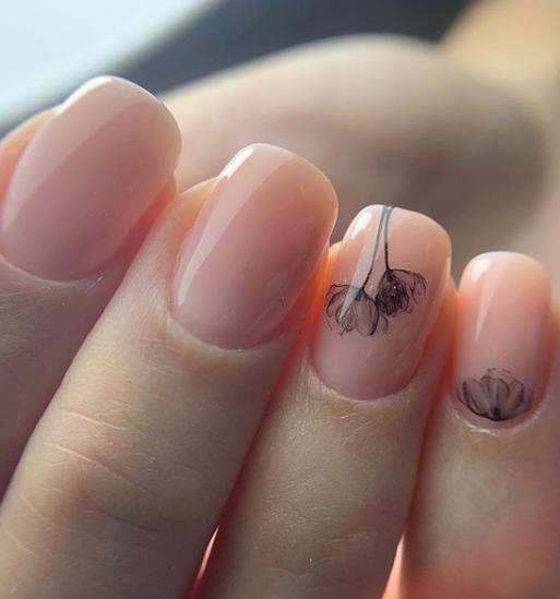 красив маникюр за къси нокти
