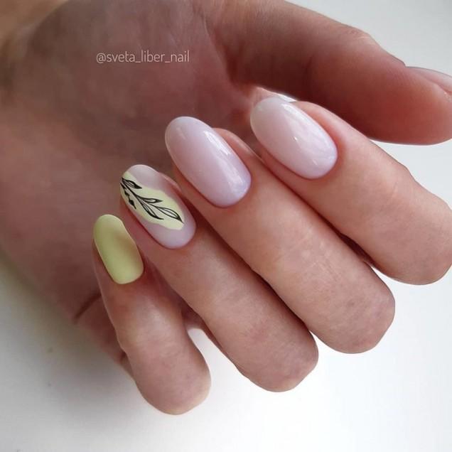 розови нокти