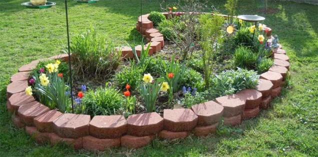 идеи за цветята в двора