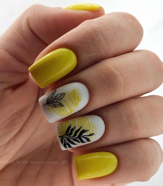 Маникюри с цветя за къси нокти