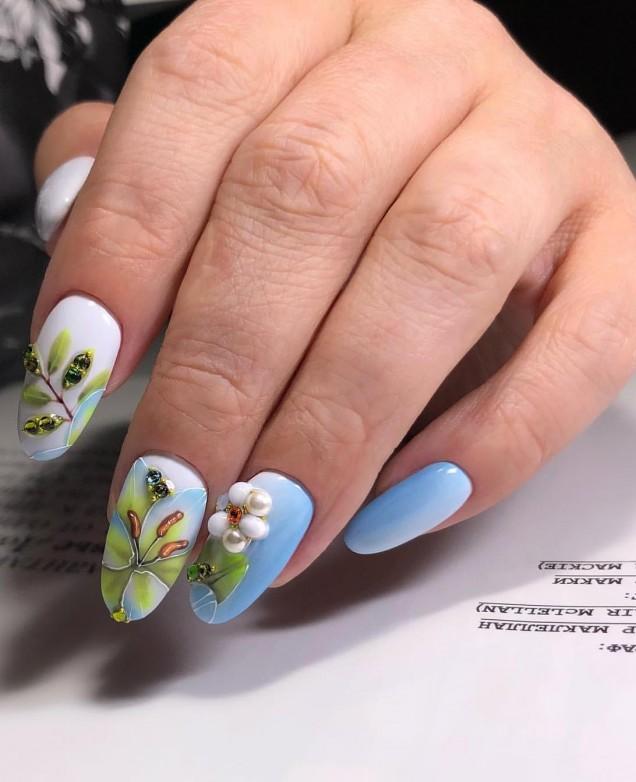 релефен маникюр цветя