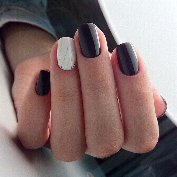 черен маникюр къси нокти