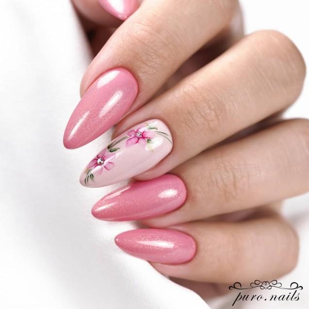 перлен розов маникюр