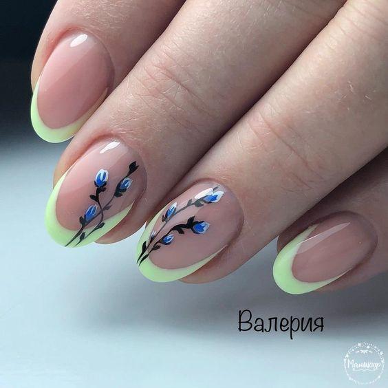 Маникюр с пеперуди и камъни
