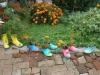 25 ярки идеи с цветя, които ще превърнат двора и градината в цветен водопад (Снимки):