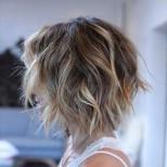 Прическа боб каре за къдрава коса