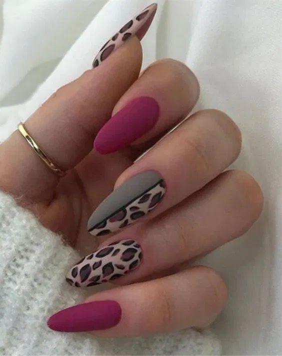 елегантен леопардов маникюр