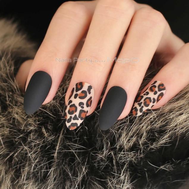 черен маникюр леопардов принт