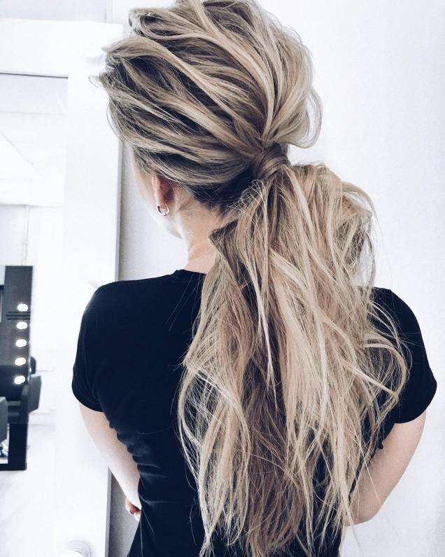 Прически за дълга коса конска опашка