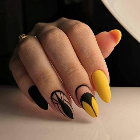 геометричен жълт маникюр