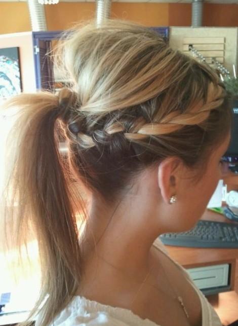 Прически за дълга коса с плитка